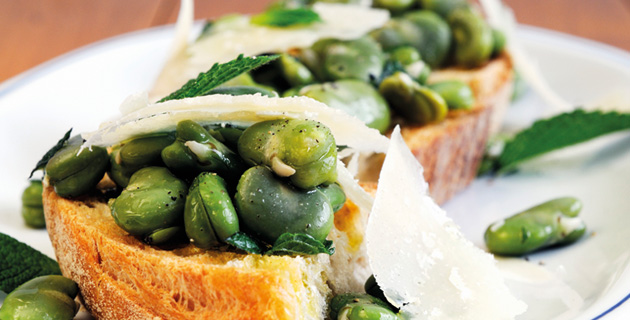 Bruschetta con le fave – Röstbrote mit Saubohnen