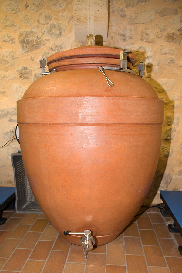 Amphoren aus Ton für den Weinausbau