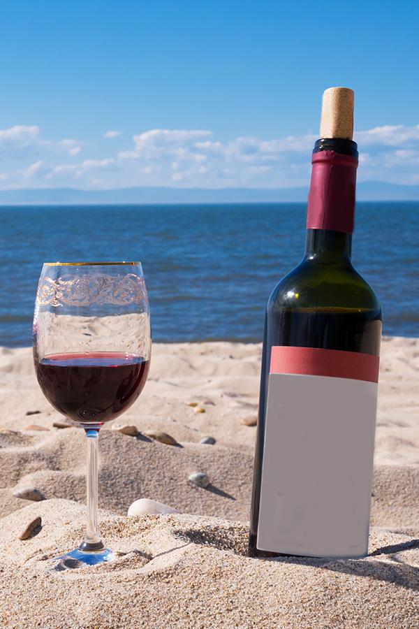 Eine solche Rotwein-Sommer-Szene darf man doch nicht boykottieren!
