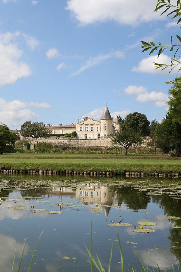 Weinberg vor Chateau Lafite-Rothschild, Pauillac, Medoc